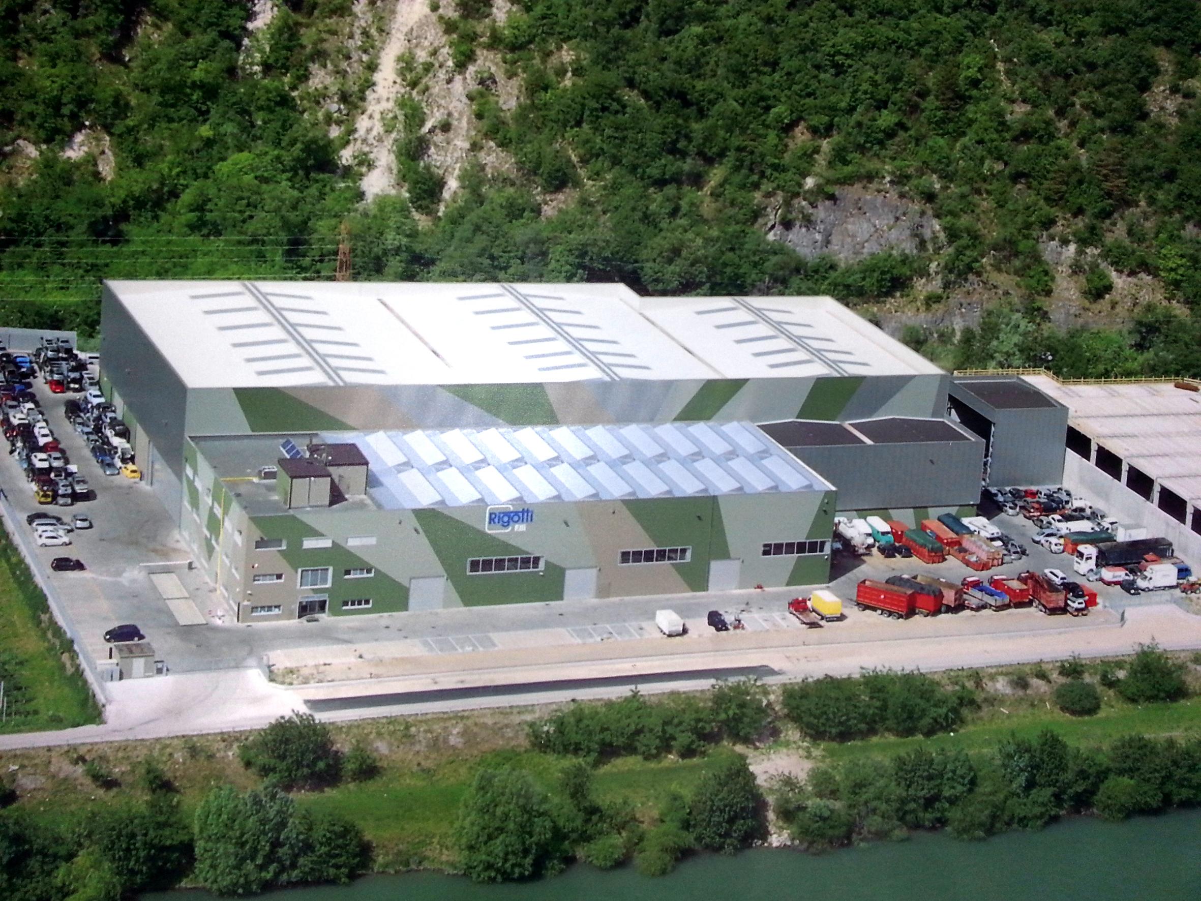 Premiata architettura mimetica per intervento di for Come costruire un capannone moderno
