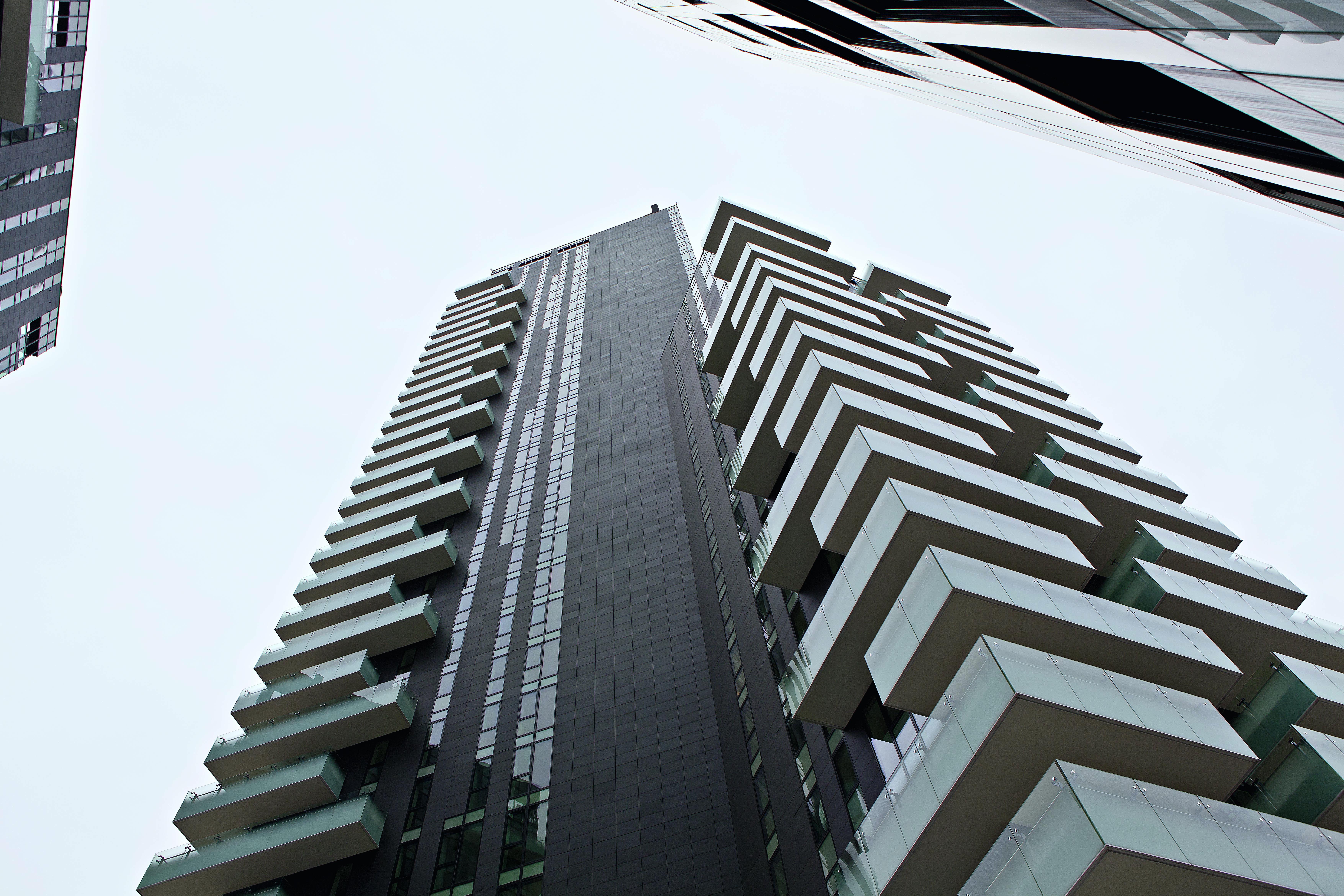 250 porte antieffrazione oikos per le torri del progetto - Residenze di porta nuova ...