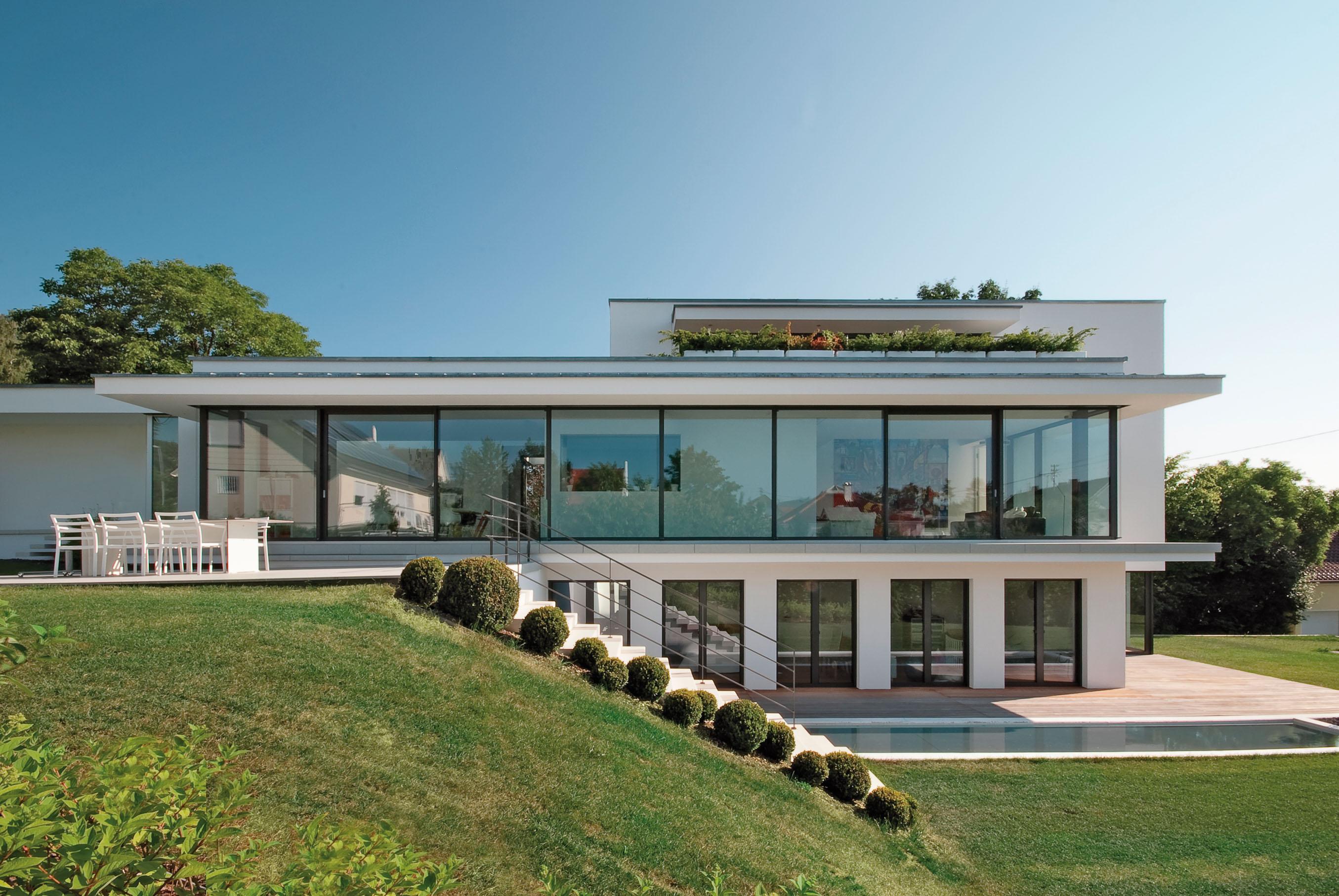 Germania fascinose e grandi trasparenze made in italy for Ville moderne con vetrate