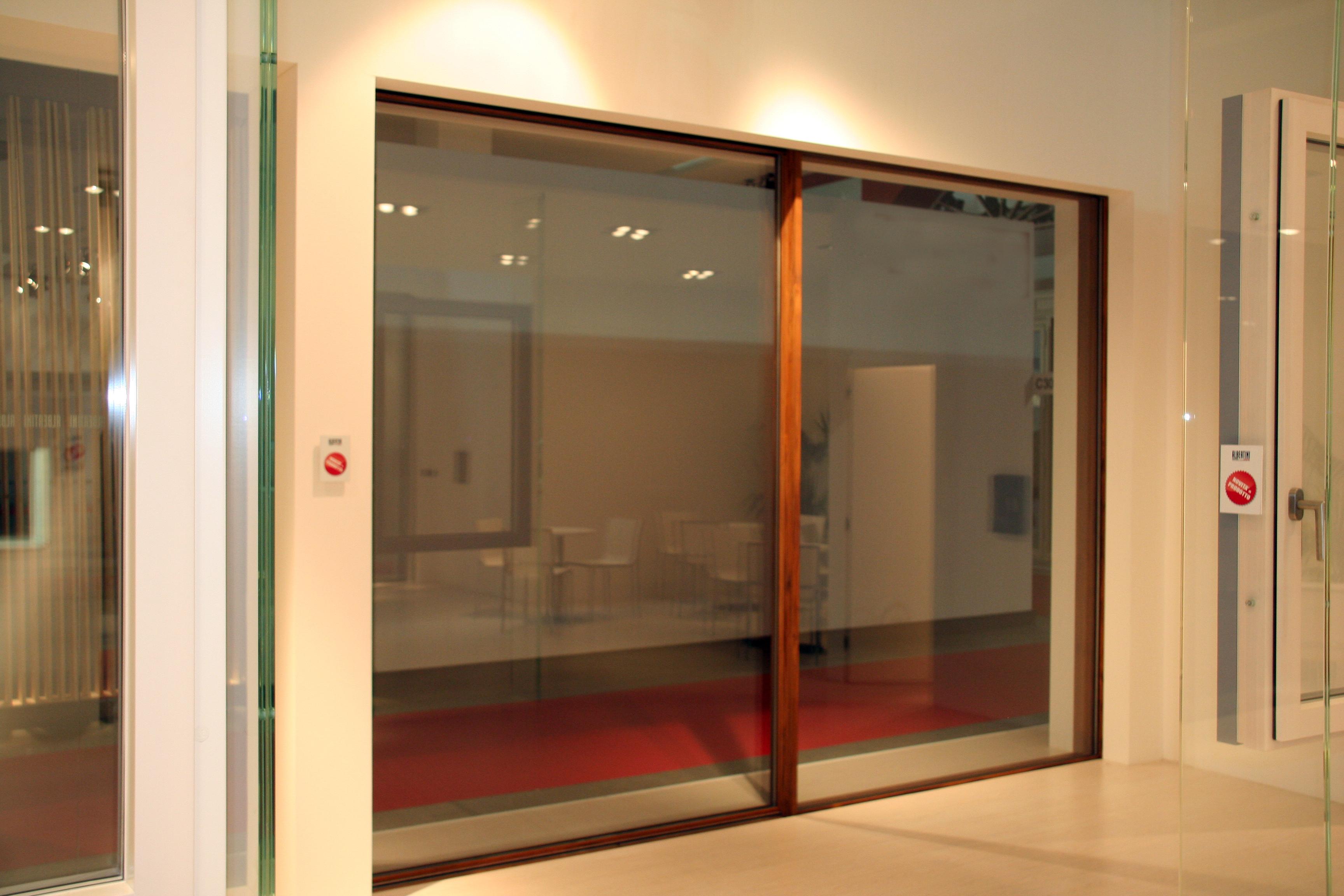 Dallo scorrevole al battente sempre con effetto tutto - Telaio finestra legno ...