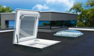 Finestra per tetti piatti DR_ . Diverse le varianti, sicuro e confortevole l'accesso al tetto
