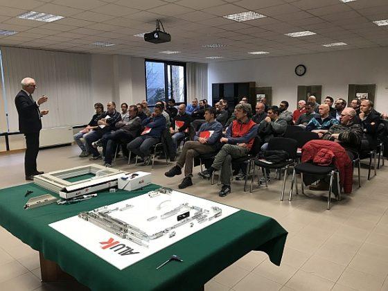 proposte formative di AluK Accademy . Nell'immagine uno momento del cosro sul sistema C67K svoltosi a gennaio presso la sede di Verona