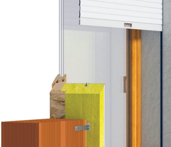Roverplastik spa ha fornito l'ultima generazione di RoverBlok, la soluzione monoblocco che garantisce un elemento di integrazione e continuità tra l'involucro e il serramento, nella versione con cassonetto Energy Classic