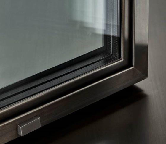 Compasso d oro adi al versatile sistema per serramenti os2 for Uniform sistemi per serramenti