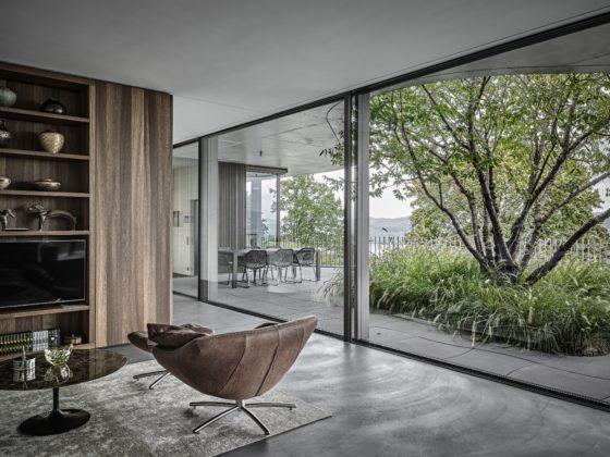 """Air-lux® è una collezione """"tutto vetro"""" a filo pavimento e a filo soffitto"""