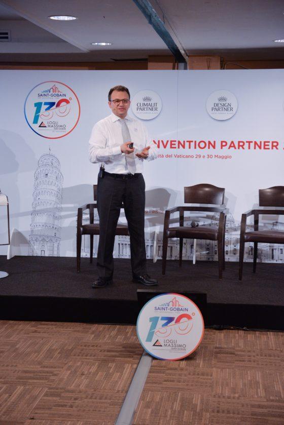Fabio Damonte DG di Saint-Gobain Glass nel corso della Convention 2019