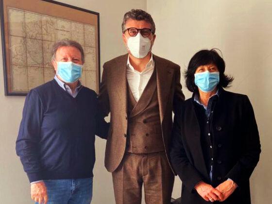 Marco Zanato con i titolari di Varesina Accessori